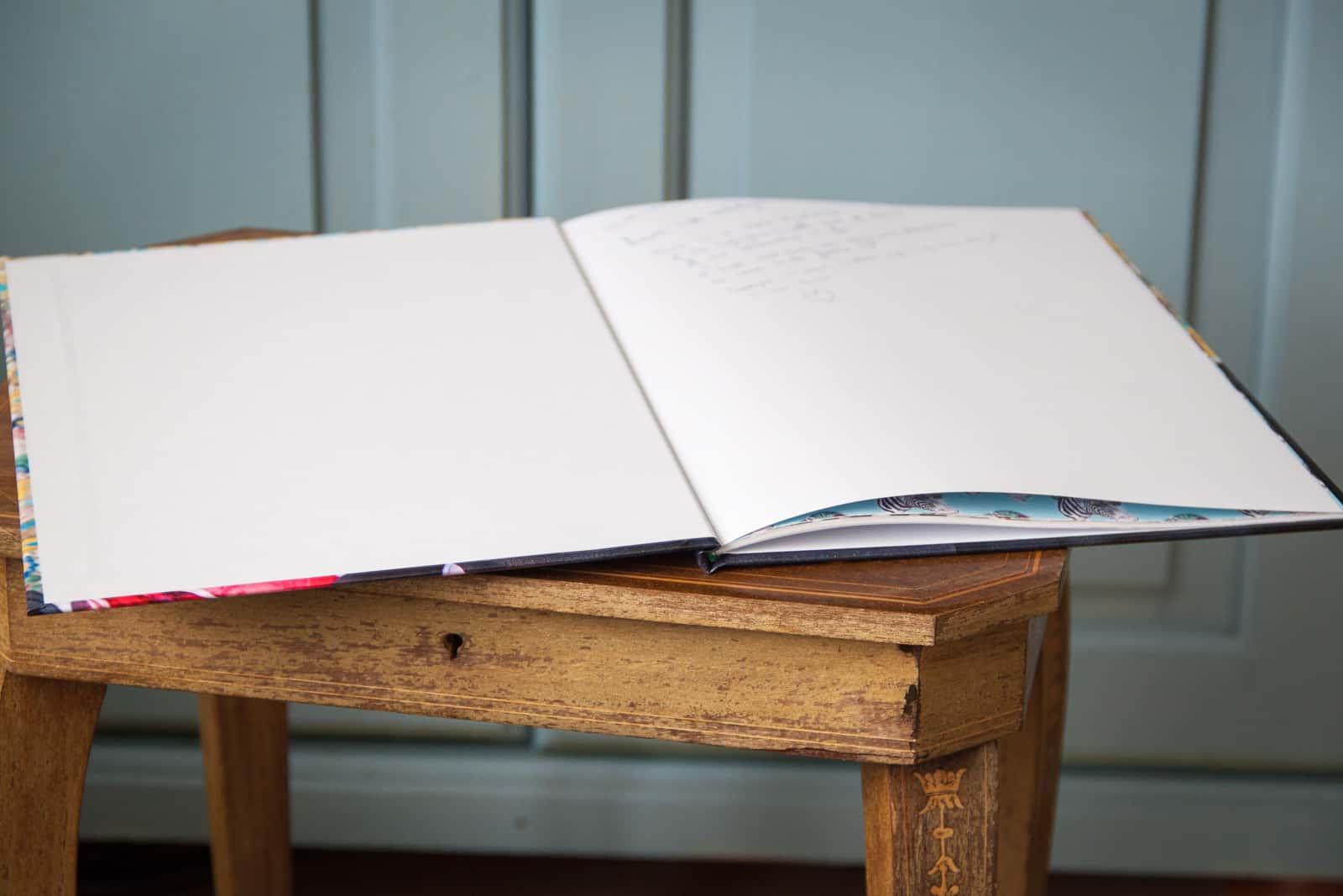 Een witte pagina voorin laat ruimte voor een persoonlijke boodschap!