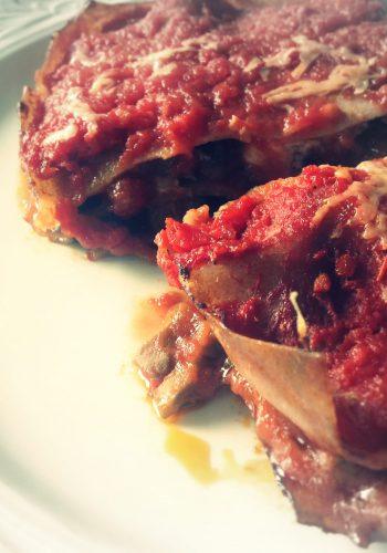 Lasagne met aubergine, kastanjechampignons en blauwe kaas