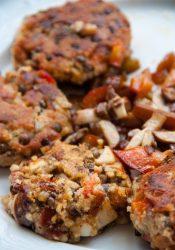 Linzenburgers met champignons en paprika