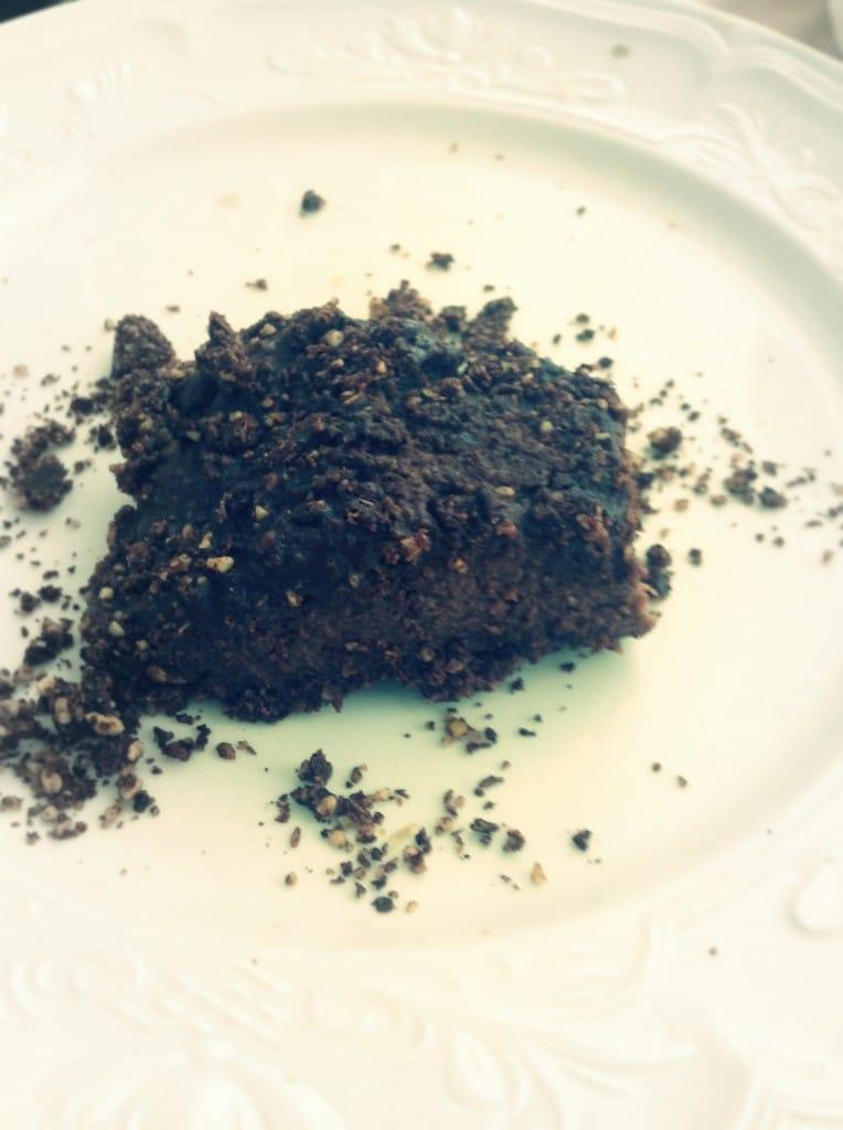 Rauw chocoladetaart met Chioggia-bieten